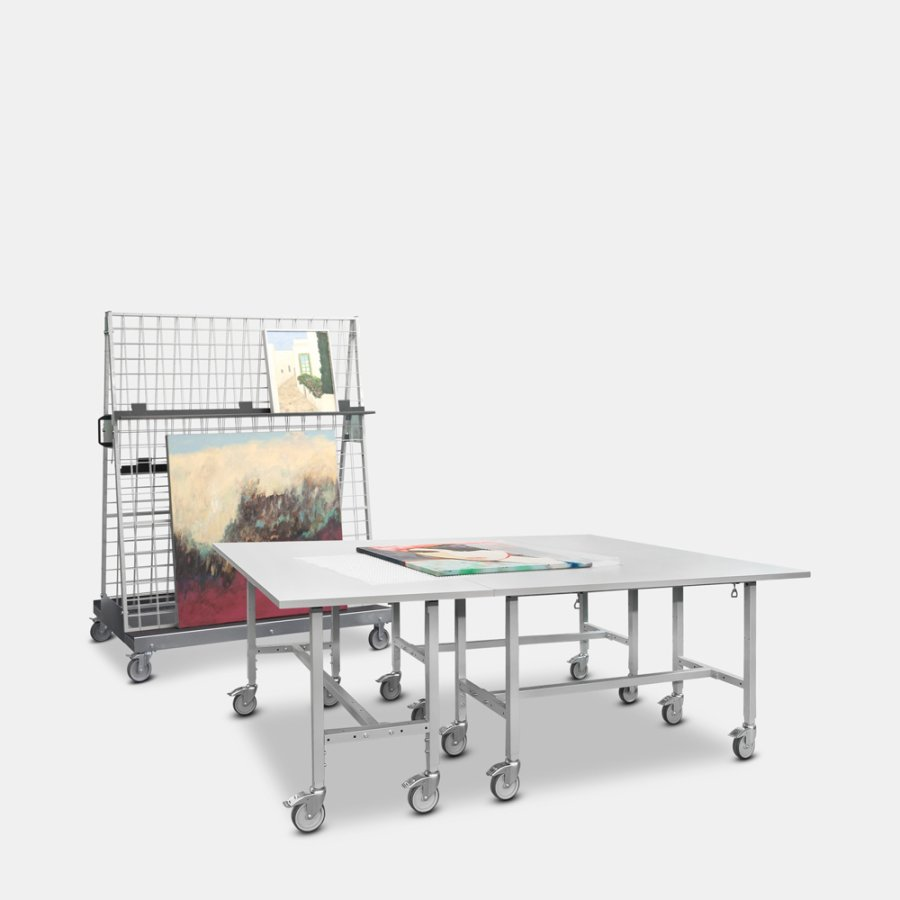 Trolley, easel and mobile tables for the museum segment
